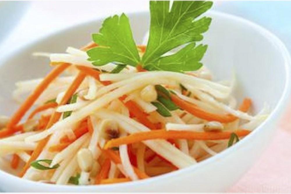 Салат из дайконы с морковью