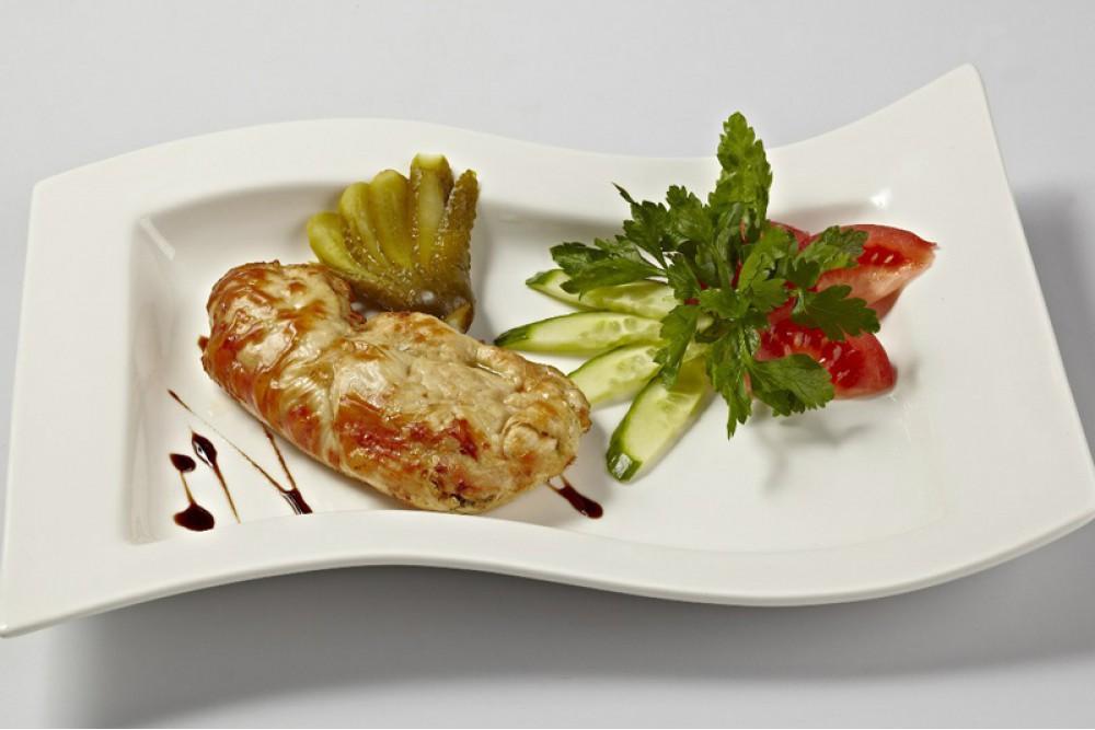 Грудка курицы фаршированная на выбор: -томатами конкассе, -шпинатом и сыром